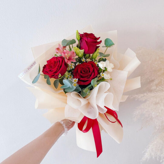 seven florist rose bouquet sweetie red 03a