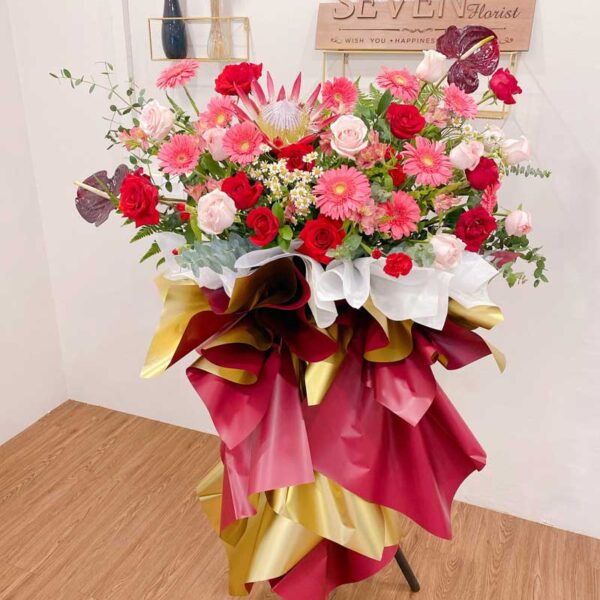 seven florist greeting flower stand scaled1