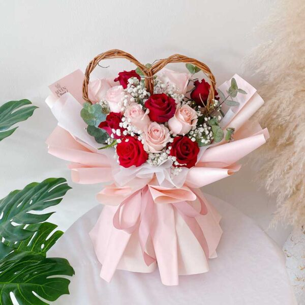 seven florist precious love roses bouquet mix1